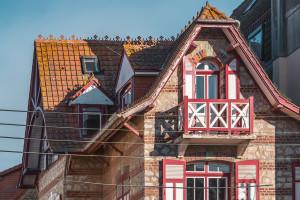 villaCapeCod-rdc-facade-1